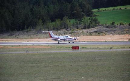 Alain Bertrand et Sophie Pantel assurent la continuité de l'aérodrome Mende-Brenoux