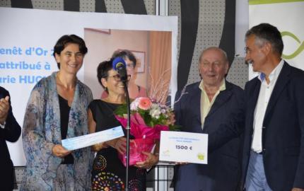 Marie Huguet reçoit le Prix du Genêt d'or 2018.