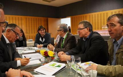 Rencontre avec l'eurodéputé Eric Andrieu lors du Sommet de l'Elevage