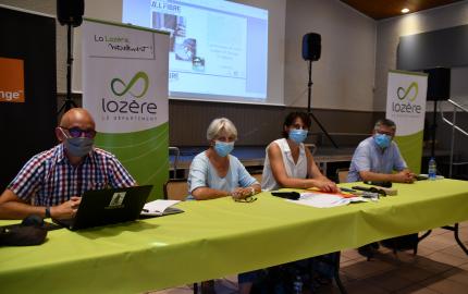 Les réunions publiques Très Haut Débit se sont poursuivies cet été à Chanac, Vébron et Ispagnac